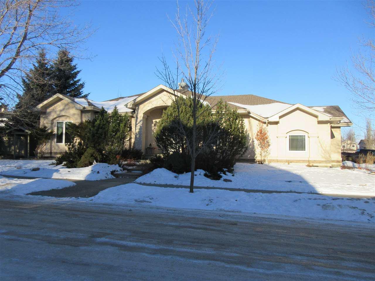 Main Photo: 26 EASTCOTT Drive: St. Albert House for sale : MLS®# E4223050