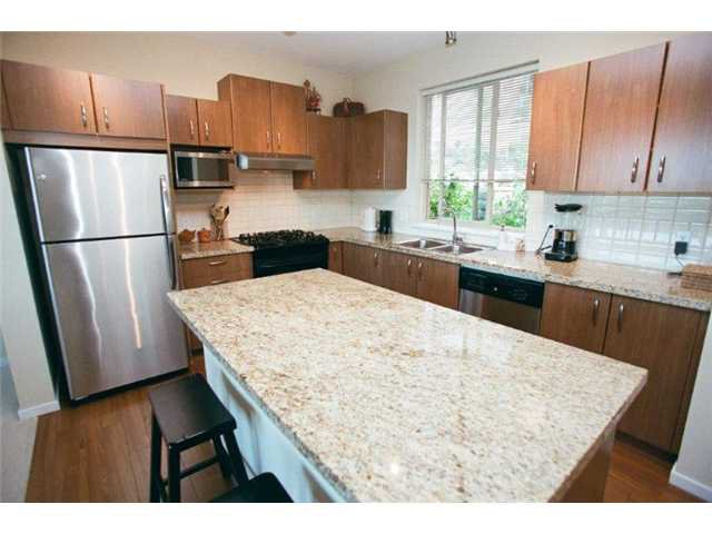 """Photo 4: Photos: 108 3076 DAYANEE SPRINGS in Coquitlam: Westwood Plateau Townhouse for sale in """"THE LANTERNS"""" : MLS®# V865050"""