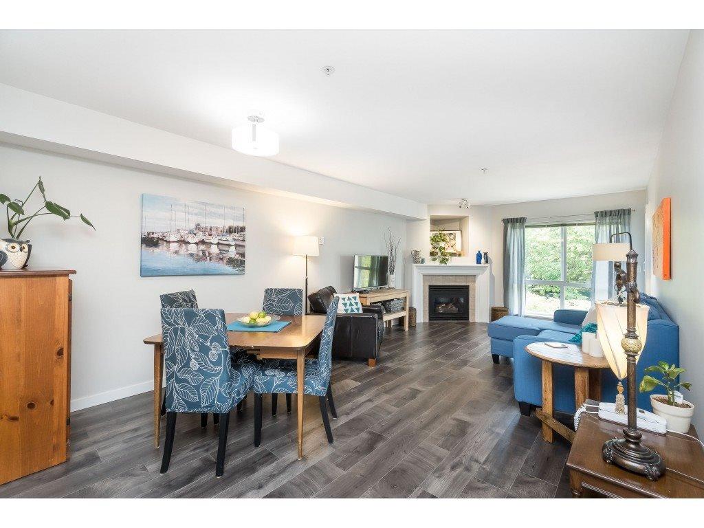 "Photo 7: Photos: 412 15150 29A Avenue in Surrey: King George Corridor Condo for sale in ""Sands II"" (South Surrey White Rock)  : MLS®# R2396902"