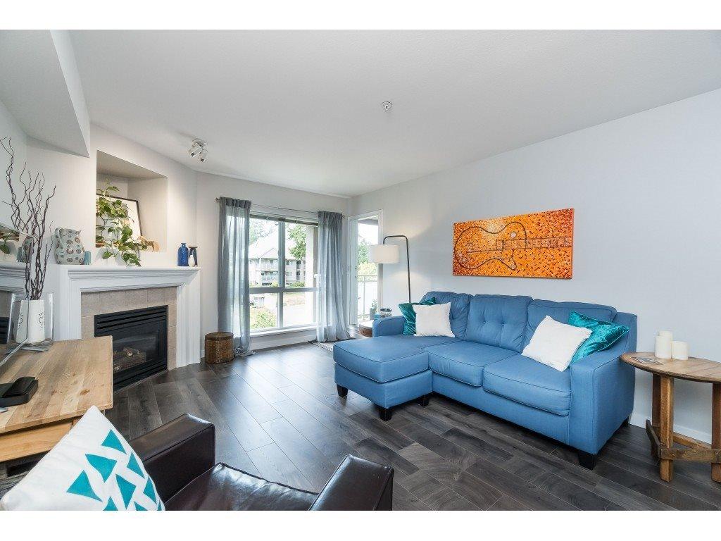 "Photo 4: Photos: 412 15150 29A Avenue in Surrey: King George Corridor Condo for sale in ""Sands II"" (South Surrey White Rock)  : MLS®# R2396902"