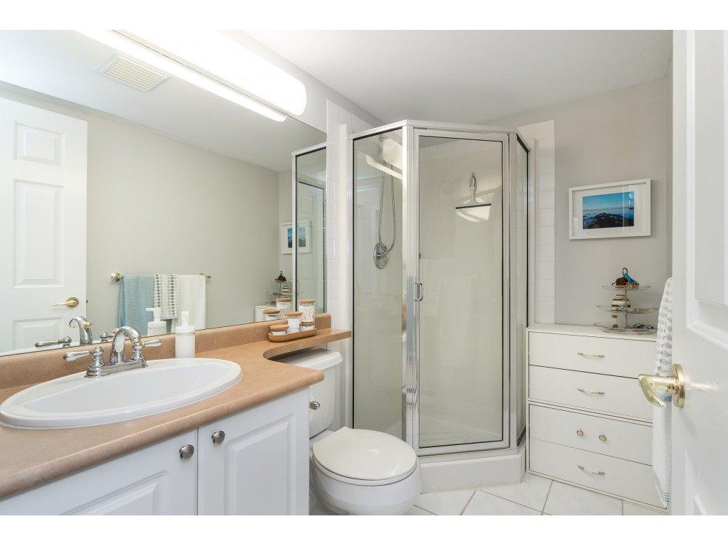 "Photo 16: Photos: 412 15150 29A Avenue in Surrey: King George Corridor Condo for sale in ""Sands II"" (South Surrey White Rock)  : MLS®# R2396902"