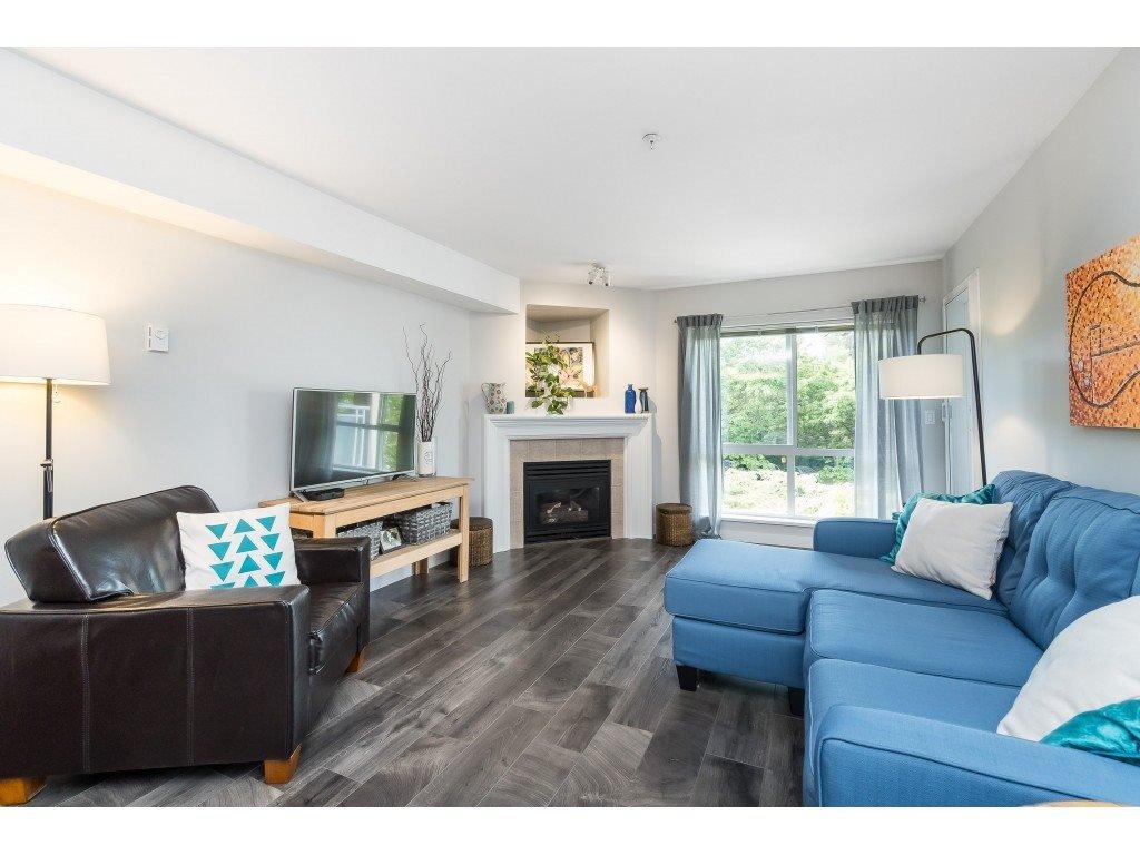 "Photo 3: Photos: 412 15150 29A Avenue in Surrey: King George Corridor Condo for sale in ""Sands II"" (South Surrey White Rock)  : MLS®# R2396902"