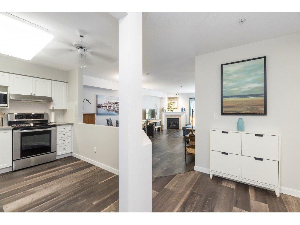 "Photo 10: Photos: 412 15150 29A Avenue in Surrey: King George Corridor Condo for sale in ""Sands II"" (South Surrey White Rock)  : MLS®# R2396902"