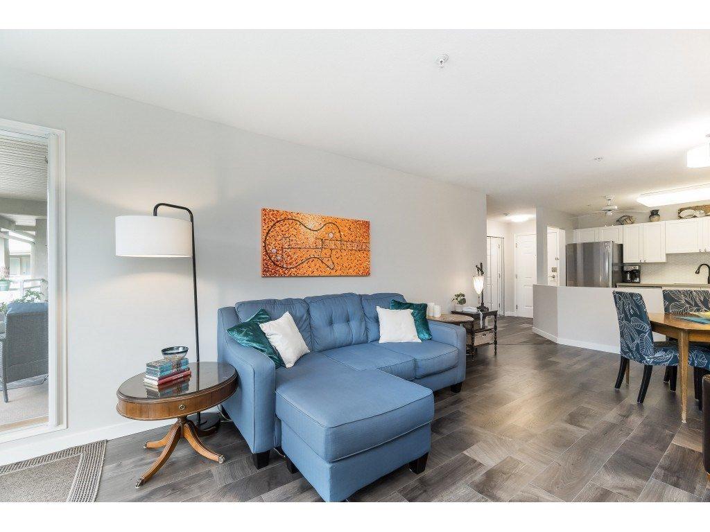 "Photo 6: Photos: 412 15150 29A Avenue in Surrey: King George Corridor Condo for sale in ""Sands II"" (South Surrey White Rock)  : MLS®# R2396902"