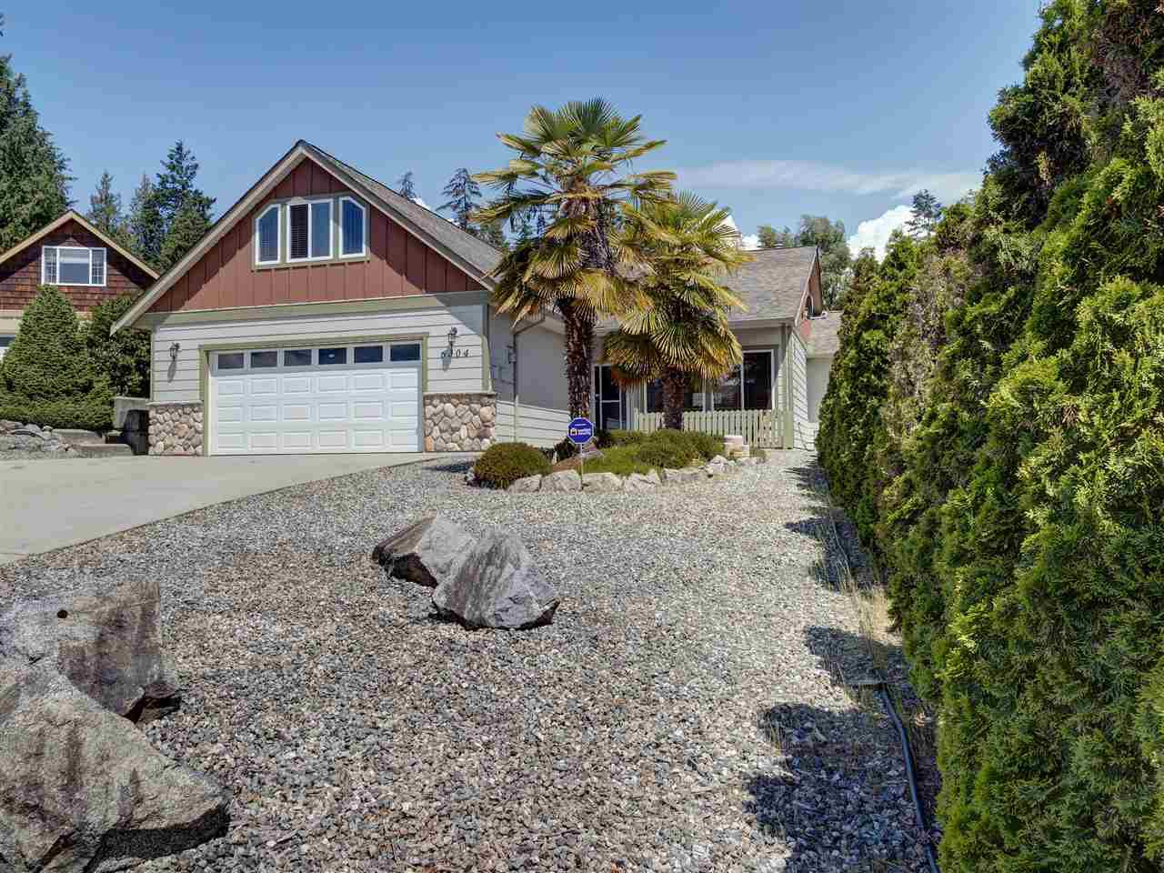 Main Photo: 6304 SAMRON Road in Sechelt: Sechelt District House for sale (Sunshine Coast)  : MLS®# R2469444