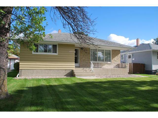 Main Photo: 577 HAZEL DELL Avenue in WINNIPEG: East Kildonan Residential for sale (North East Winnipeg)  : MLS®# 1018195