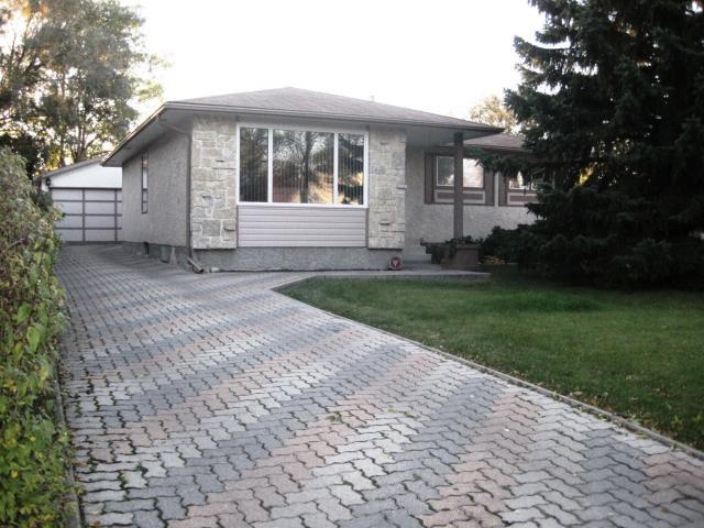 Main Photo: 15 SALISBURY Crescent in WINNIPEG: Fort Garry / Whyte Ridge / St Norbert Residential for sale (South Winnipeg)  : MLS®# 1019491