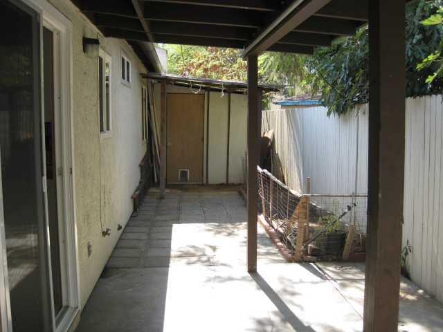 Photo 10: Photos: SOUTHEAST ESCONDIDO House for sale : 2 bedrooms : 1427 Orange in Escondido