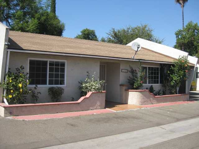 Main Photo: SOUTHEAST ESCONDIDO House for sale : 2 bedrooms : 1427 Orange in Escondido