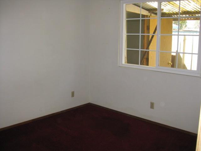 Photo 8: Photos: SOUTHEAST ESCONDIDO House for sale : 2 bedrooms : 1427 Orange in Escondido