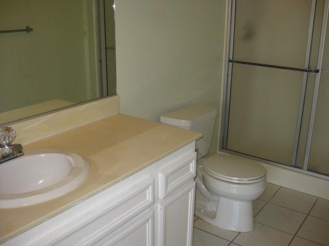 Photo 7: Photos: SOUTHEAST ESCONDIDO House for sale : 2 bedrooms : 1427 Orange in Escondido