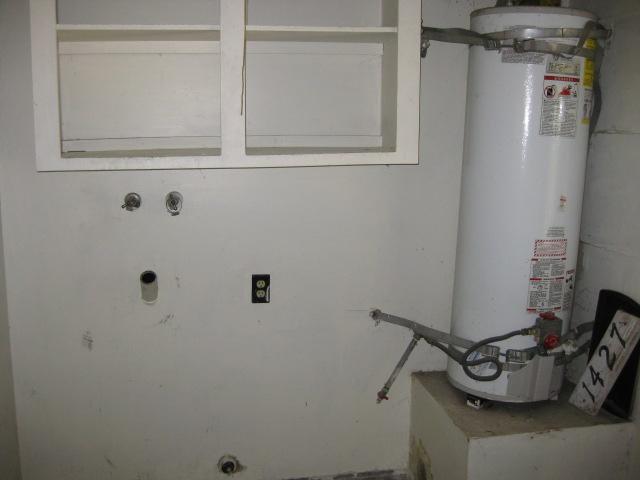 Photo 9: Photos: SOUTHEAST ESCONDIDO House for sale : 2 bedrooms : 1427 Orange in Escondido