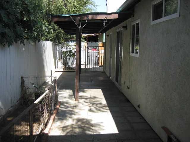 Photo 12: Photos: SOUTHEAST ESCONDIDO House for sale : 2 bedrooms : 1427 Orange in Escondido