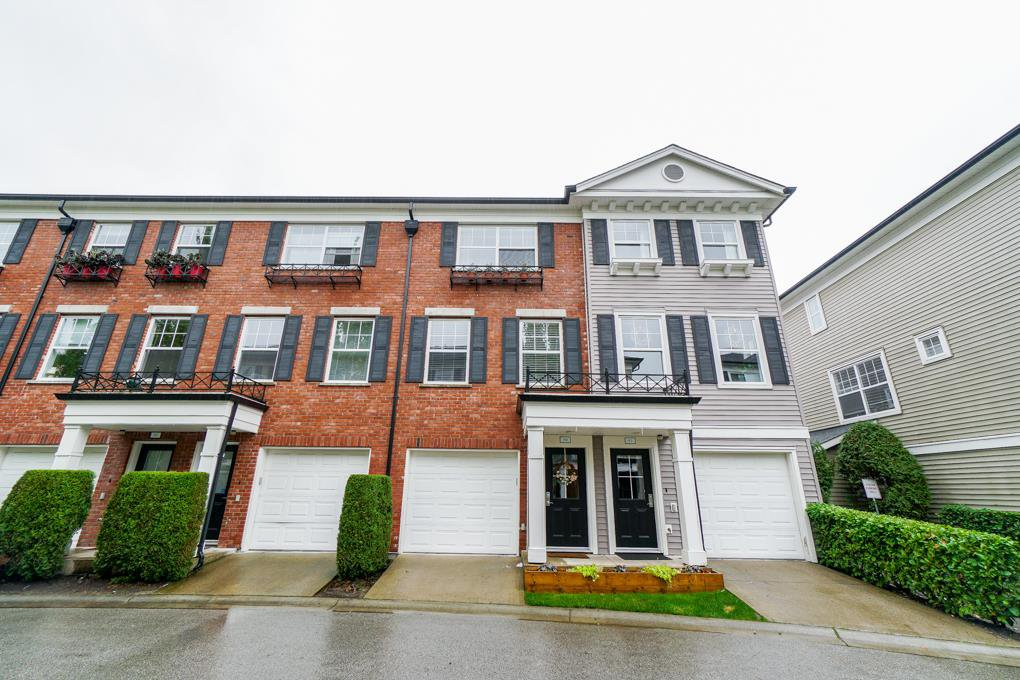Main Photo: 50 11067 BARNSTON VIEW ROAD in : South Meadows Townhouse for sale : MLS®# R2307779