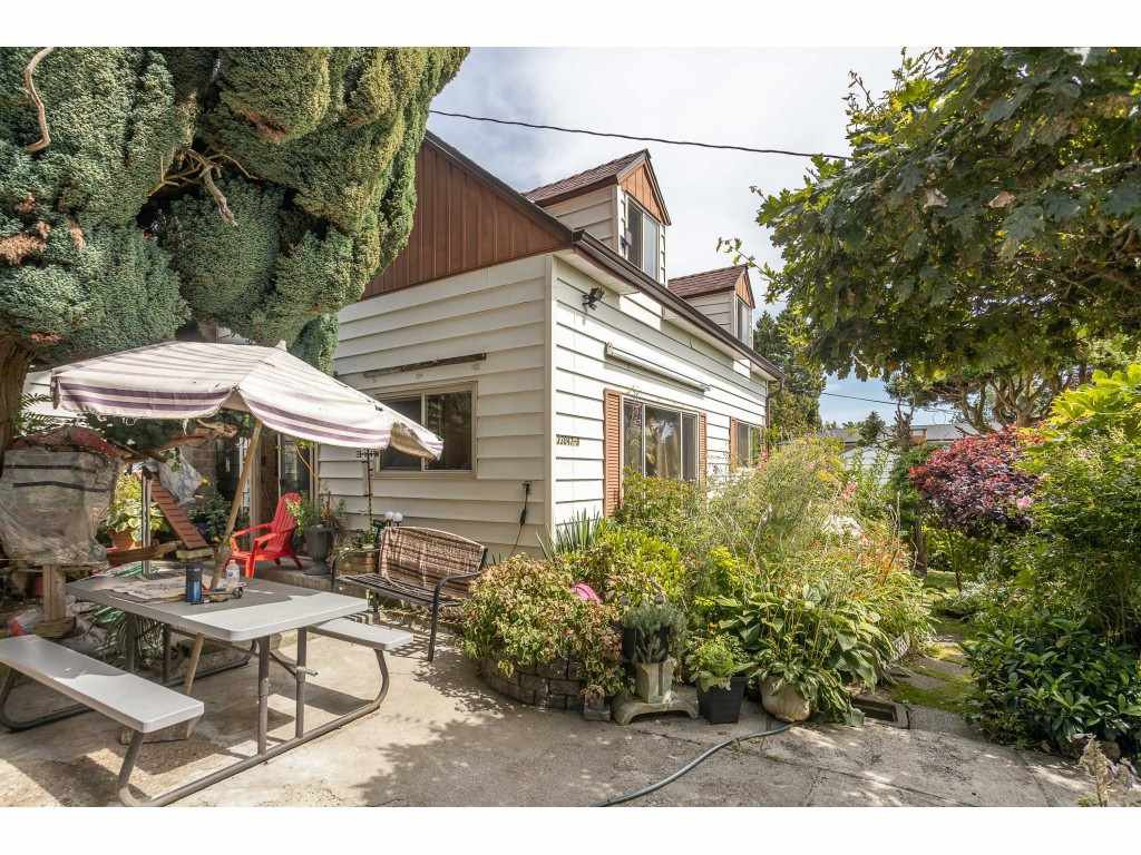 Photo 2: Photos: 33047 6 Avenue in Mission: Mission BC House for sale : MLS®# R2488203