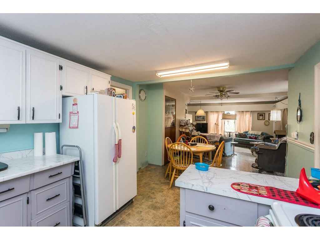 Photo 9: Photos: 33047 6 Avenue in Mission: Mission BC House for sale : MLS®# R2488203