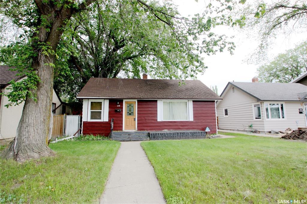 Main Photo: 1208 33rd Street East in Saskatoon: North Park Residential for sale : MLS®# SK838448