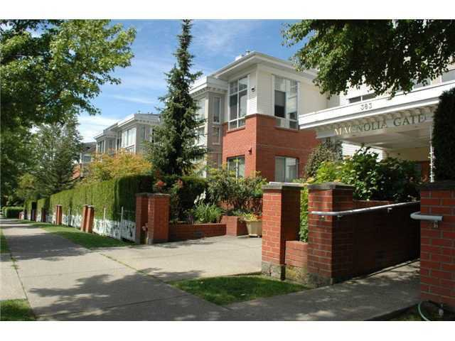 "Photo 1: Photos: 441 383 E 37TH Avenue in Vancouver: Main Condo for sale in ""MAGNOLIA GATE"" (Vancouver East)  : MLS®# V857085"