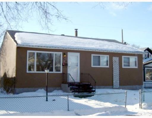 Main Photo: 280 INGLEWOOD Street in WINNIPEG: St James Residential for sale (West Winnipeg)  : MLS®# 2803532