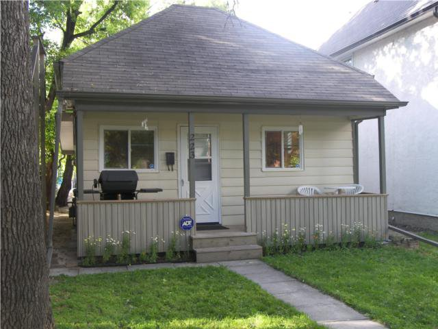 Main Photo: 223 Bertrand Street in WINNIPEG: St Boniface Residential for sale (South East Winnipeg)  : MLS®# 1013960