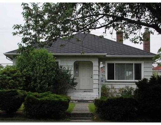 Main Photo: 1557 E 49TH AV in Vancouver: Knight House for sale (Vancouver East)  : MLS®# V545875