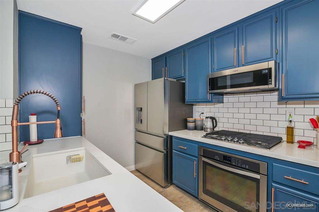 Main Photo: LAKESIDE Condo for sale : 2 bedrooms : 9728 Marilla Dr. #709