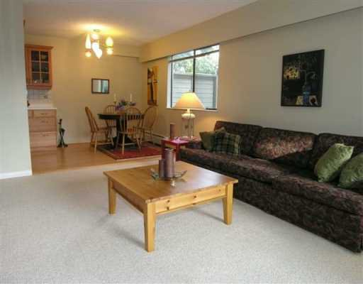 Photo 5: Photos: 1515 CHESTERFIELD Ave in North Vancouver: Central Lonsdale Condo for sale : MLS®# V626116