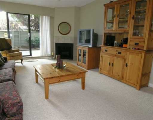 Photo 4: Photos: 1515 CHESTERFIELD Ave in North Vancouver: Central Lonsdale Condo for sale : MLS®# V626116