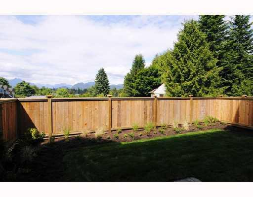 """Photo 10: Photos: 29 22206 124 Avenue in Maple_Ridge: West Central Townhouse for sale in """"COPPERSTONE RIDGE"""" (Maple Ridge)  : MLS®# V742096"""