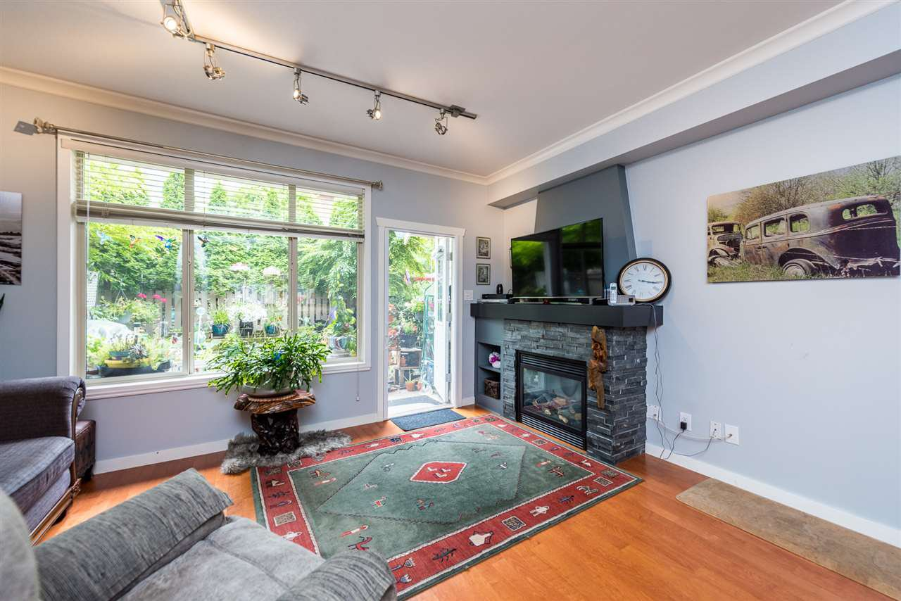 "Main Photo: 69 15151 34 Avenue in Surrey: Morgan Creek Townhouse for sale in ""Sereno"" (South Surrey White Rock)  : MLS®# R2406250"