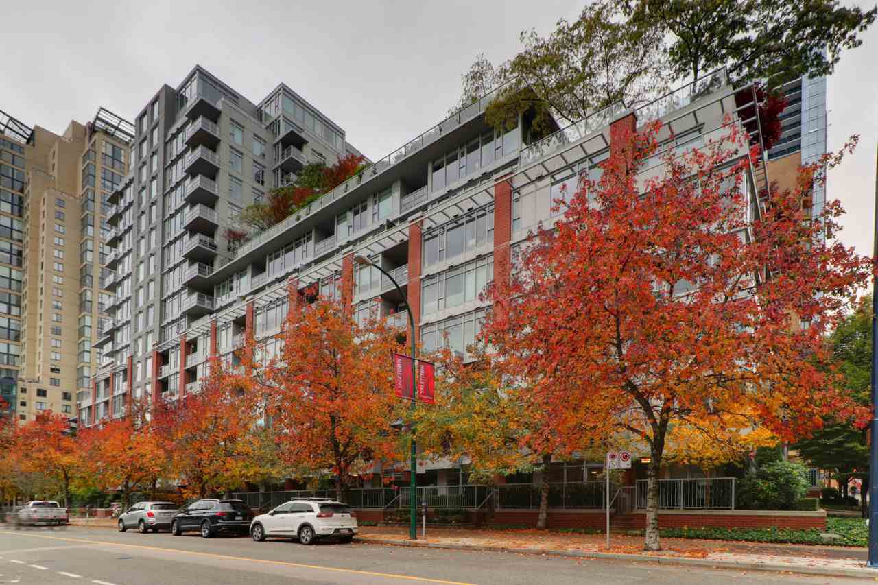 Main Photo: 1117 Homer St in Vancouver: Yaletown Townhouse for sale (Vancouver West)  : MLS®# R2517344