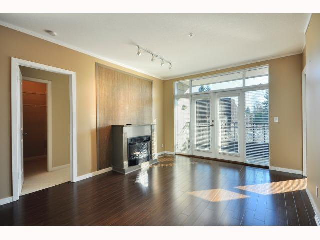 """Main Photo: 301 4479 W 10TH Avenue in Vancouver: Point Grey Condo for sale in """"THE AVENUE"""" (Vancouver West)  : MLS®# V814674"""