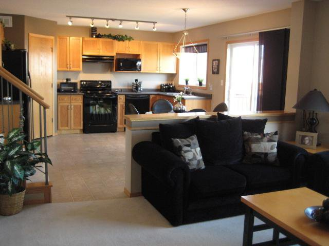 Photo 7: Photos: 21 Kirkland Drive in WINNIPEG: East Kildonan Residential for sale (North East Winnipeg)  : MLS®# 1004307