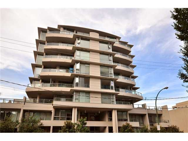 "Main Photo: PH1 587 W 7TH Avenue in Vancouver: Fairview VW Condo for sale in ""AFFINITI"" (Vancouver West)  : MLS®# V848566"