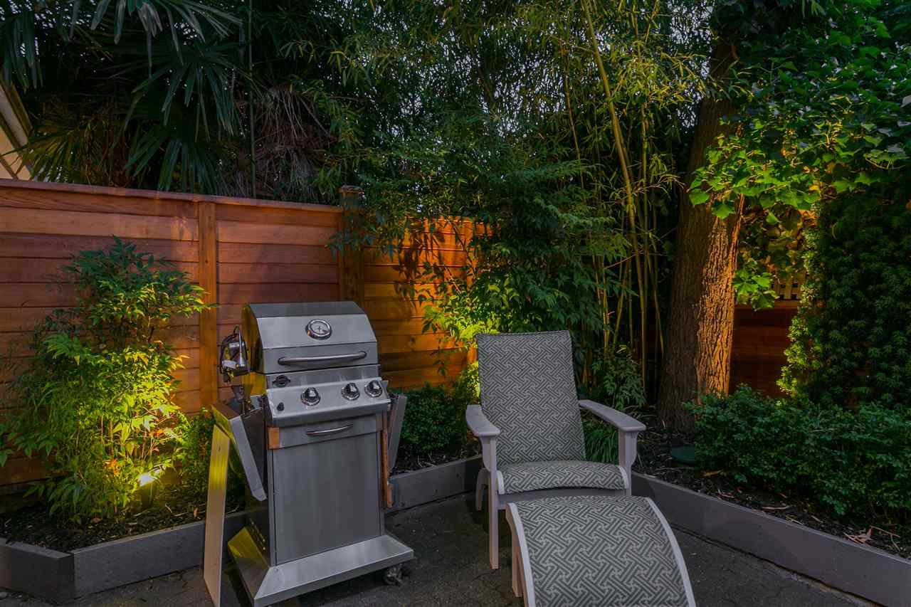 "Photo 19: Photos: 3 1535 VINE Street in Vancouver: Kitsilano Condo for sale in ""Vinegrove"" (Vancouver West)  : MLS®# R2404843"