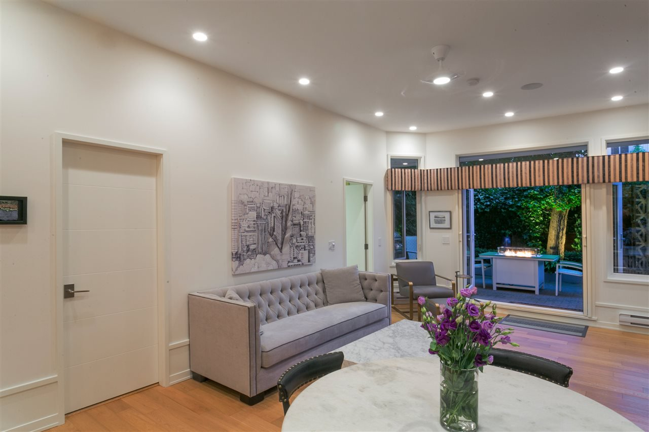 "Photo 3: Photos: 3 1535 VINE Street in Vancouver: Kitsilano Condo for sale in ""Vinegrove"" (Vancouver West)  : MLS®# R2404843"