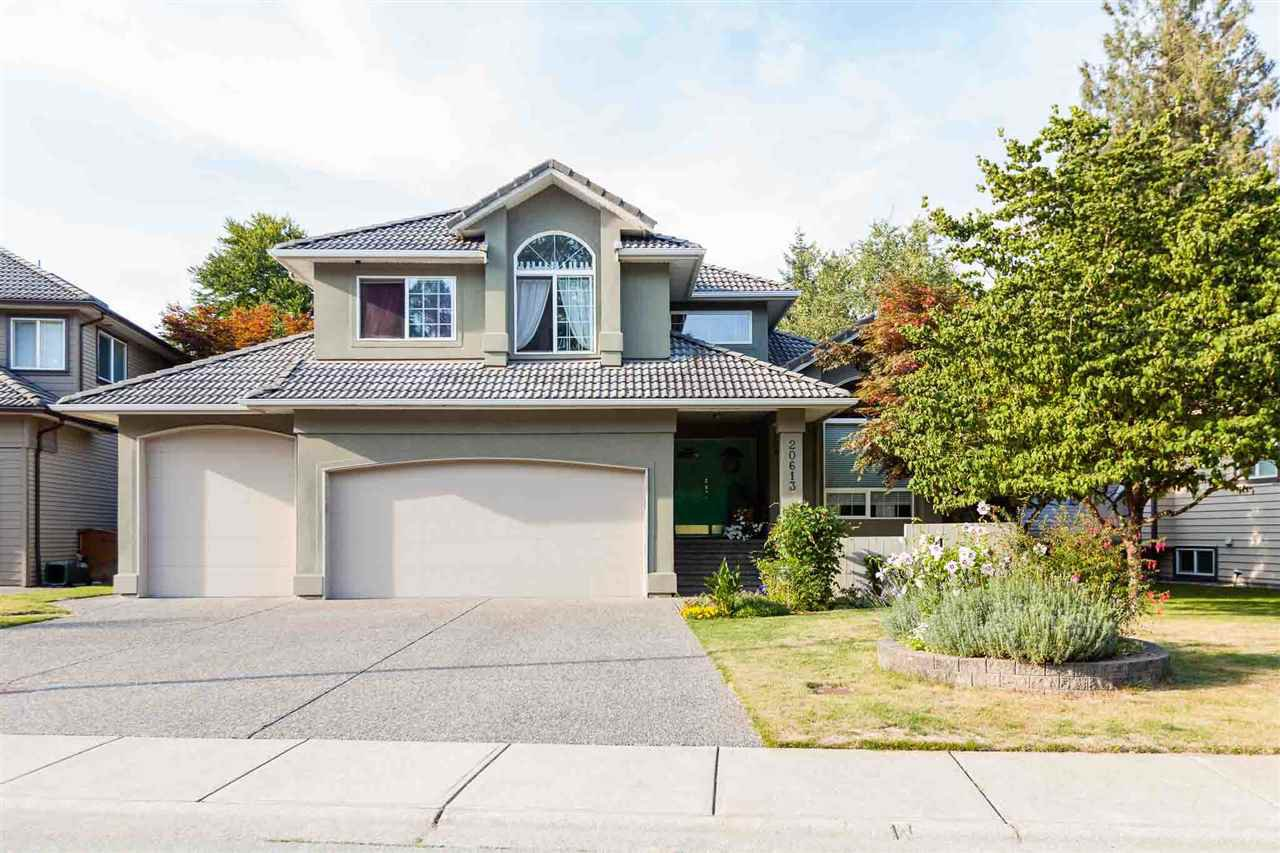 Main Photo: 20613 125 Avenue in Maple Ridge: Northwest Maple Ridge House for sale : MLS®# R2410985