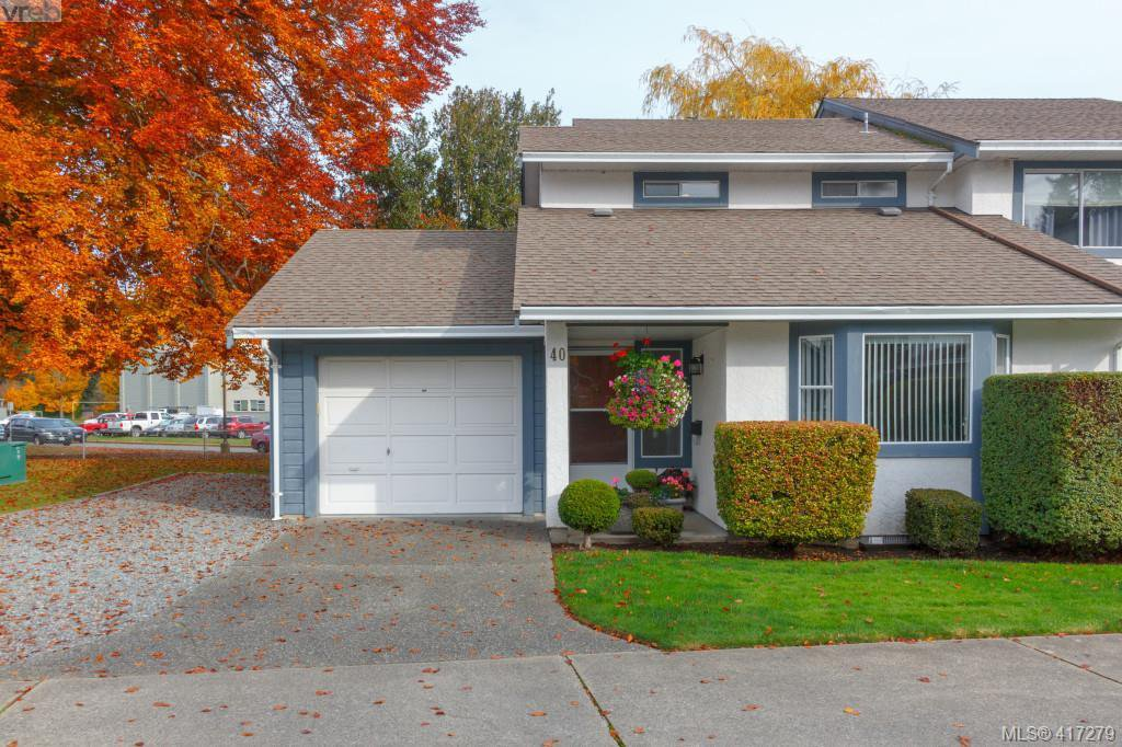 Main Photo: 40 2147 Sooke Rd in VICTORIA: Co Wishart North Row/Townhouse for sale (Colwood)  : MLS®# 827827