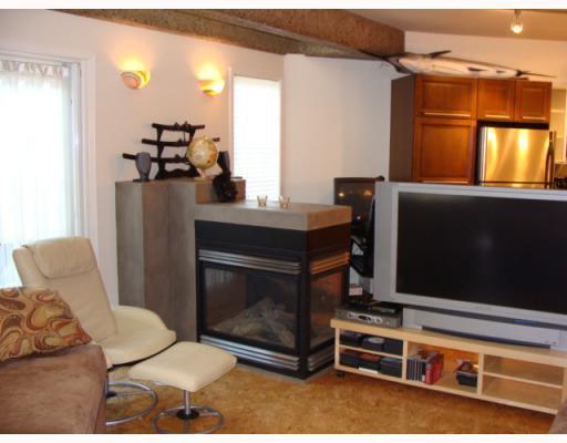 Photo 5: Photos: 101 140 26 Avenue NW in CALGARY: Tuxedo Condo for sale (Calgary)  : MLS®# C3391022