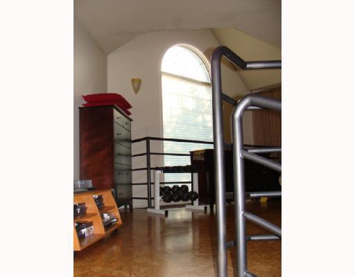 Photo 9: Photos: 101 140 26 Avenue NW in CALGARY: Tuxedo Condo for sale (Calgary)  : MLS®# C3391022