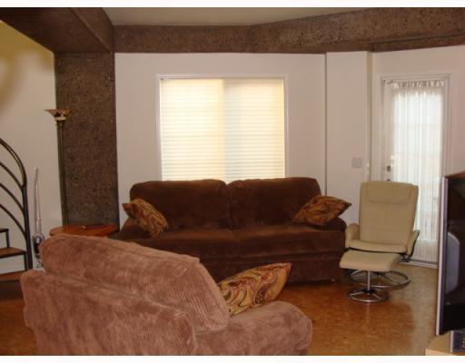 Photo 4: Photos: 101 140 26 Avenue NW in CALGARY: Tuxedo Condo for sale (Calgary)  : MLS®# C3391022