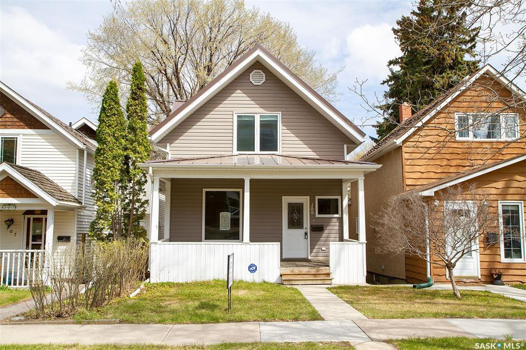 Main Photo: 109 6th Street East in Saskatoon: Buena Vista Residential for sale : MLS®# SK808463