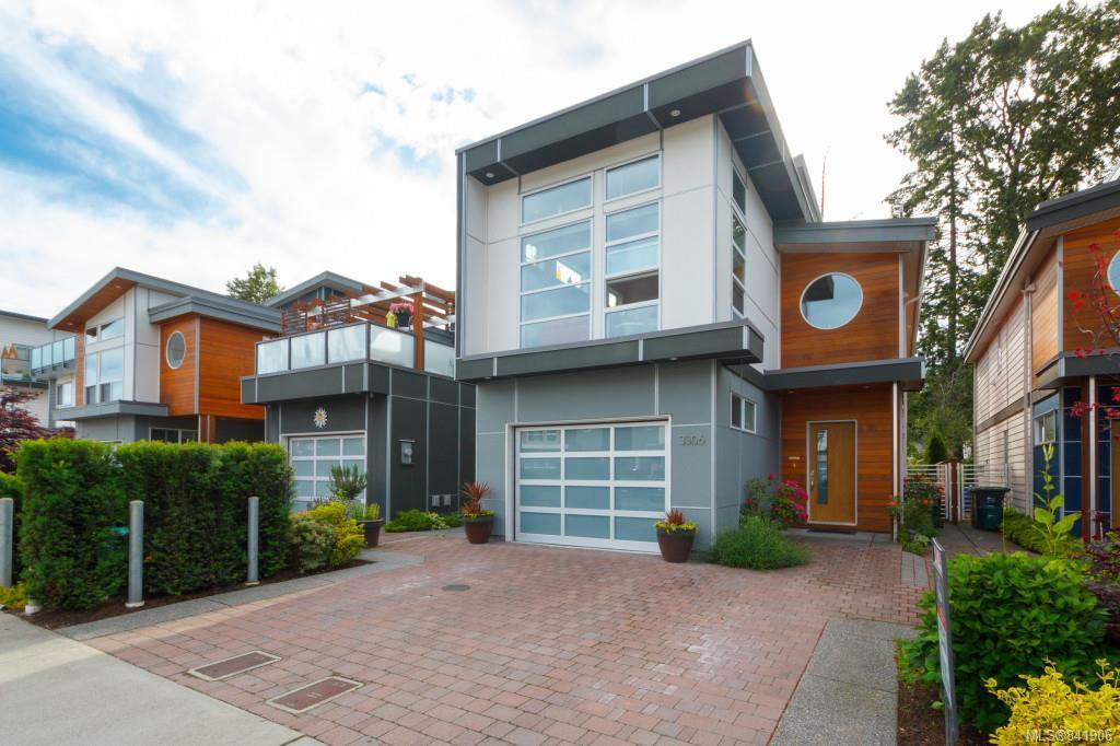 Main Photo: 3306 Radiant Way in Langford: La Happy Valley House for sale : MLS®# 841906