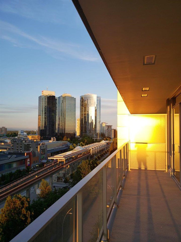 """Main Photo: 1008 6383 MCKAY Avenue in Burnaby: Metrotown Condo for sale in """"Gold House North Tower"""" (Burnaby South)  : MLS®# R2519798"""