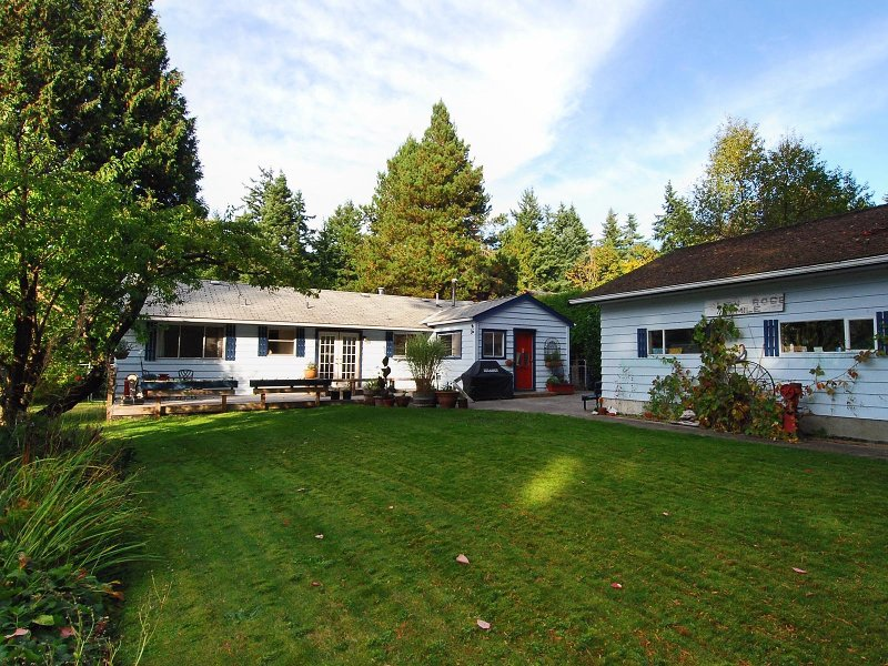 """Main Photo: 12754 23RD Avenue in Surrey: Crescent Bch Ocean Pk. House for sale in """"OCEAN PARK"""" (South Surrey White Rock)  : MLS®# F2908008"""