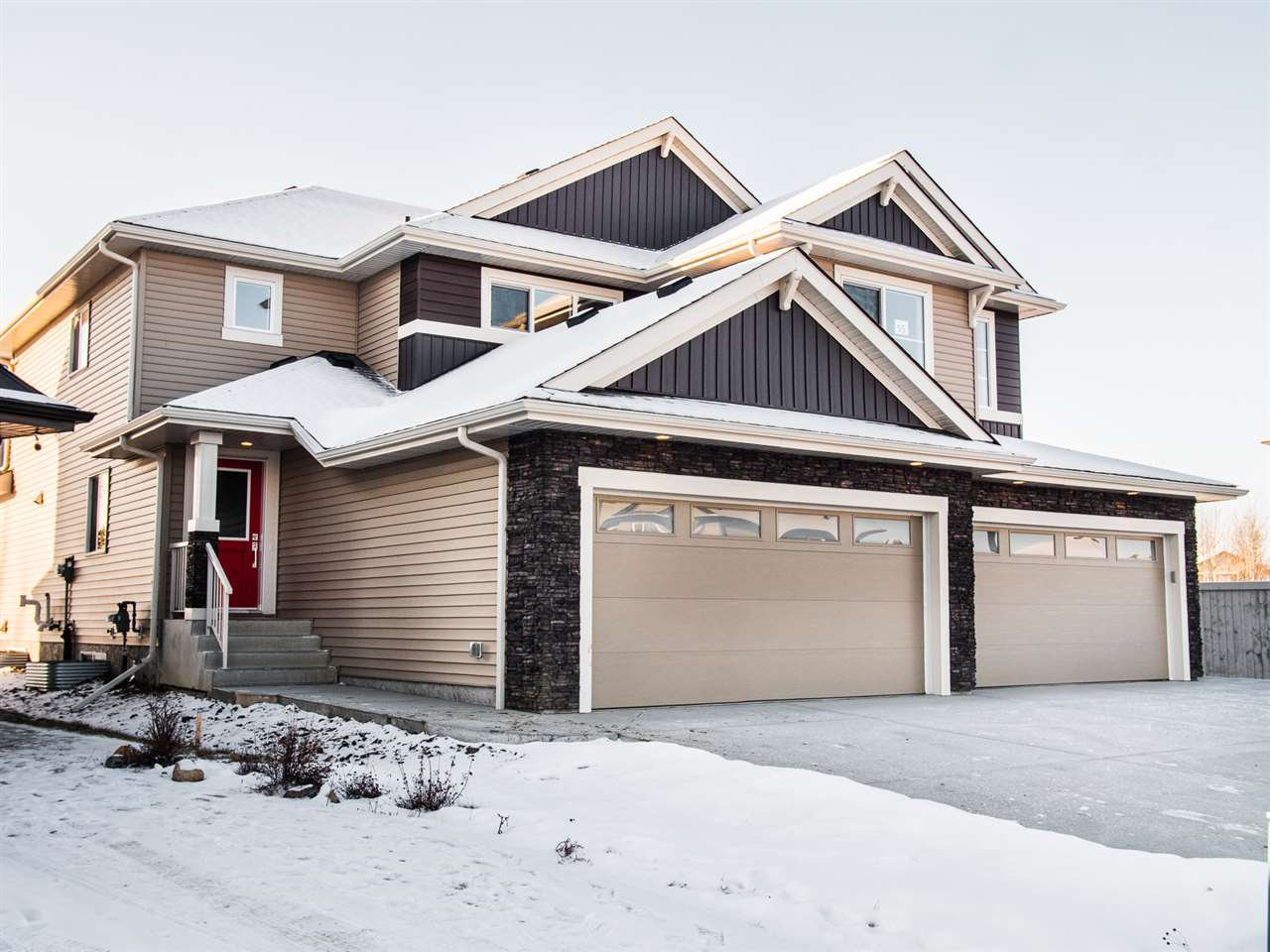 Main Photo: 57 MEADOWPARK Gate: Spruce Grove Attached Home for sale : MLS®# E4181084