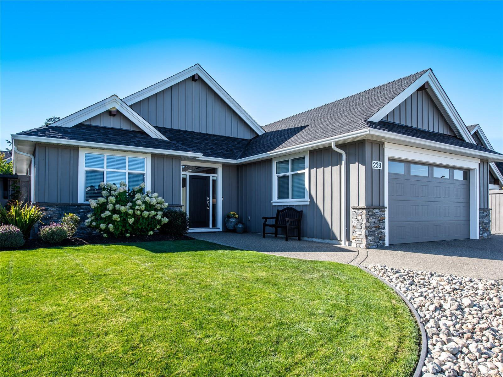 Main Photo: 239 Bramble St in : PQ Parksville House for sale (Parksville/Qualicum)  : MLS®# 855526