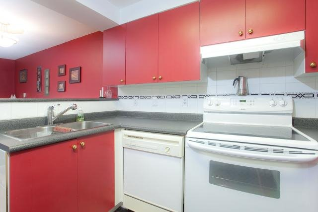 """Photo 7: Photos: 305 2211 WALL Street in Vancouver: Hastings Condo for sale in """"PACIFIC LANDING"""" (Vancouver East)  : MLS®# V800029"""