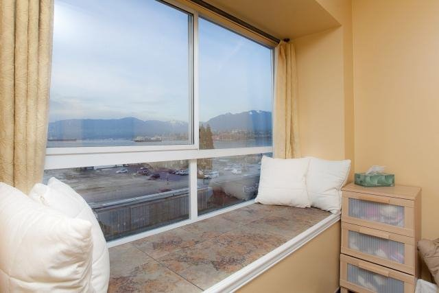"""Photo 9: Photos: 305 2211 WALL Street in Vancouver: Hastings Condo for sale in """"PACIFIC LANDING"""" (Vancouver East)  : MLS®# V800029"""