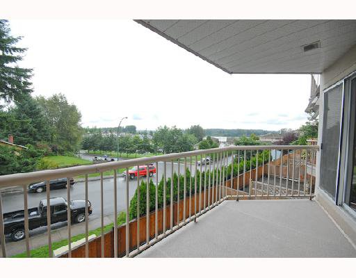 """Main Photo: 214 11595 FRASER Street in Maple Ridge: East Central Condo for sale in """"BRICKWOOD PLACE"""" : MLS®# V731501"""
